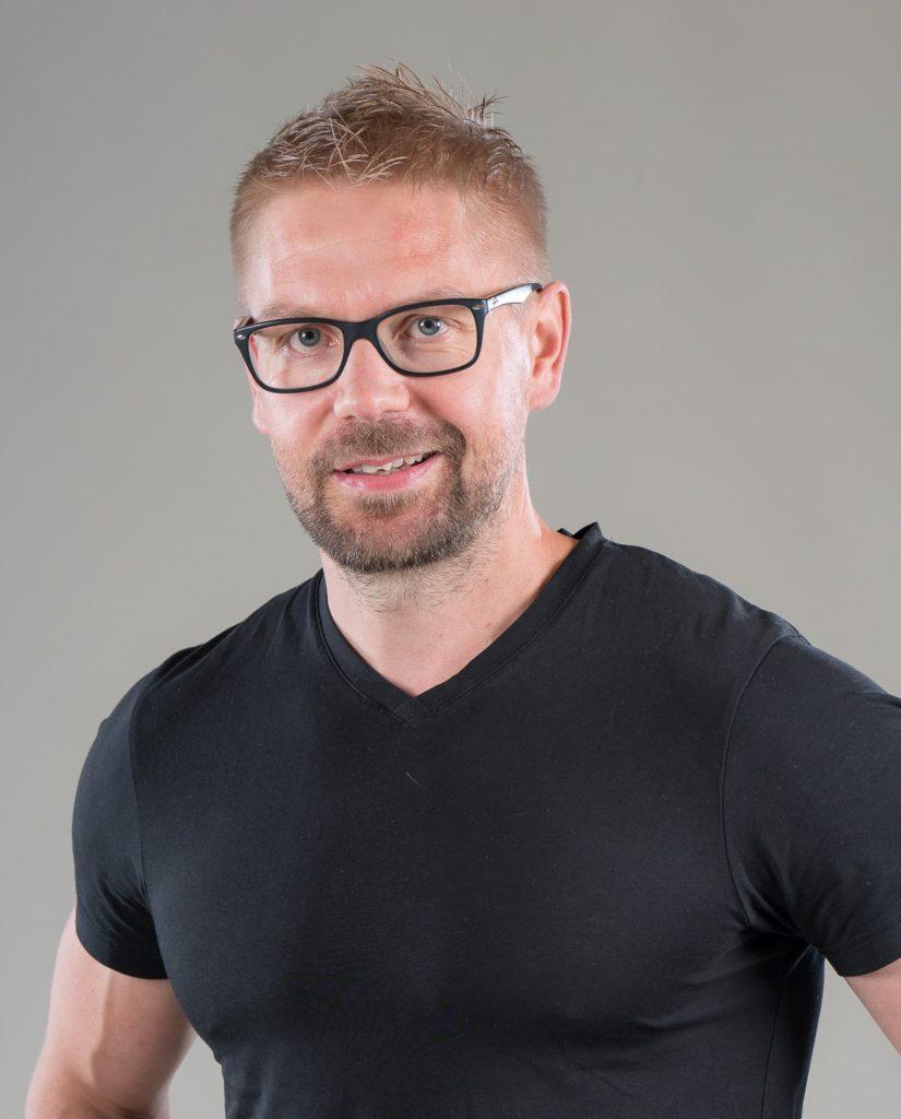 Personal Trainer Janne Muhonen on kilpaillut crossfitissa ja neuvoo mielellään toiminnallisissa treeneissä.