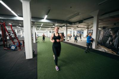 Perinteisen kuntosalin lisäksi Training Centeriltä löytyy 1000m2 toiminnallista tilaa.